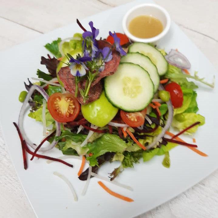 Salade fraiche du pub le chalet de magog